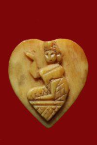 九大圣僧龙婆登的象牙雕招财女神