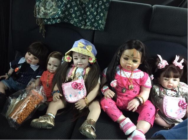 """泰国小贩从中国进口上百""""鬼娃娃""""被没收 因没有缴交入口税(组图)-"""